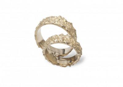 Vestuviniai žiedai su veideliu