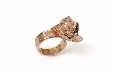 Žiedas-gėlė