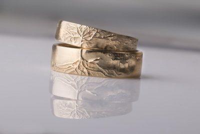 Wedding rings with bird